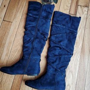 Shawnee Flat Boots in Navy